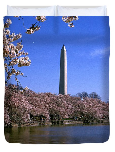 Cherry Blossoms On The Tidal Basin 15j Duvet Cover