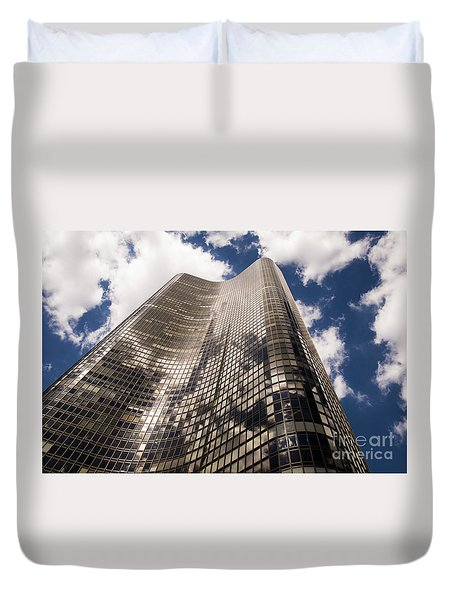 Duvet Cover featuring the photograph Chicago Building by Zawhaus Photography