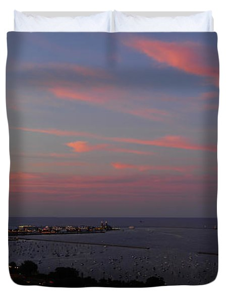Chicago Lakefront At Sunset Duvet Cover