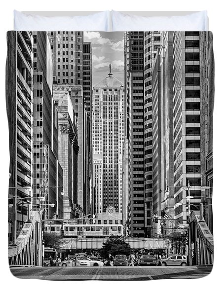 Duvet Cover featuring the photograph Chicago Lasalle Street Black And White by Christopher Arndt