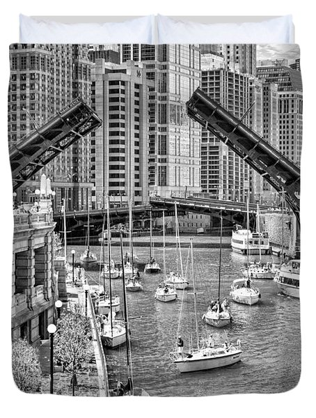 Duvet Cover featuring the photograph Chicago River Boat Migration In Black And White by Christopher Arndt