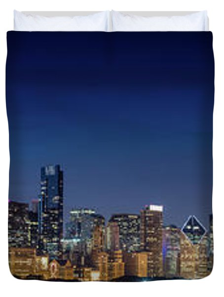 Duvet Cover featuring the photograph Chicago Skyline After Sunset by Emmanuel Panagiotakis