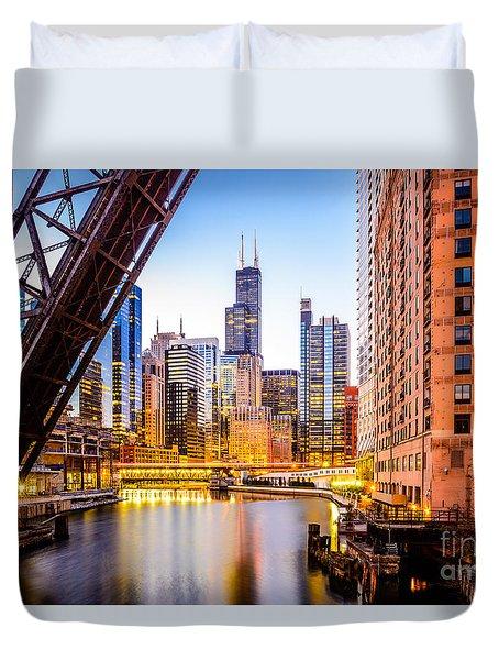 Chicago Skyline At Night And Kinzie Bridge Duvet Cover