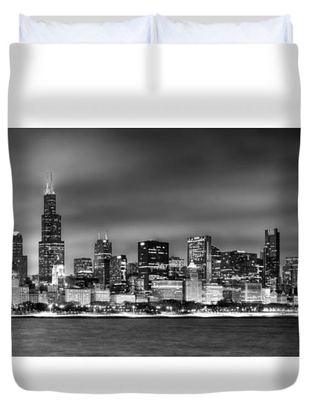 Chicago Skyline At Night Black And White Duvet Cover