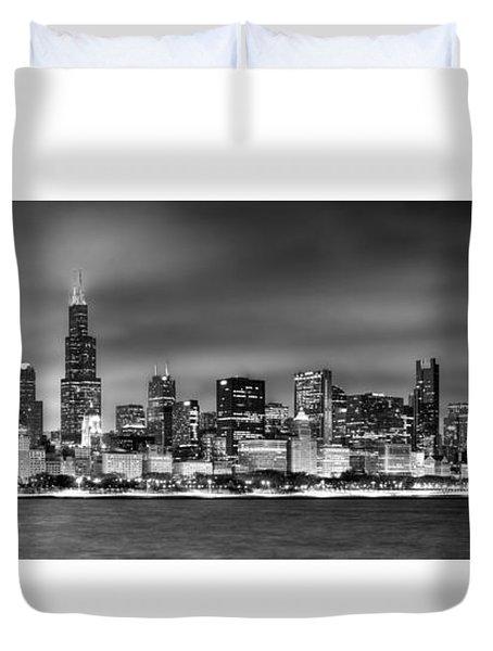 Chicago Skyline At Night Black And White Duvet Cover