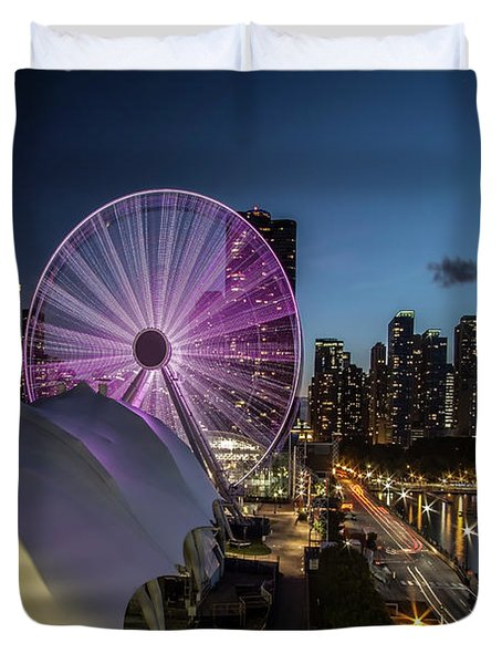 Chicago Skyline With New Ferris Wheel At Dusk Duvet Cover