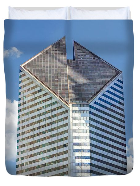 Duvet Cover featuring the painting Chicago Smurfit-stone Building by Christopher Arndt