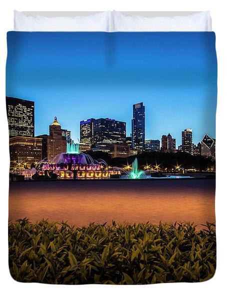 Chicago's Buckingham Fountain At Dusk  Duvet Cover