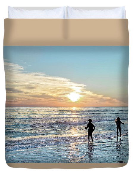 Children At Play On A Florida Beach  Duvet Cover