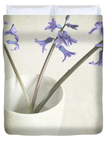Duvet Cover featuring the photograph China Cup by Lyn Randle