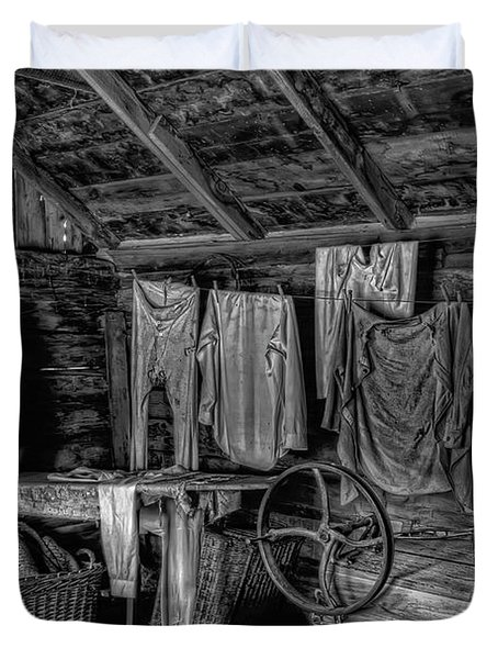 Chinese Laundry In Montana Territory Duvet Cover by Daniel Hagerman