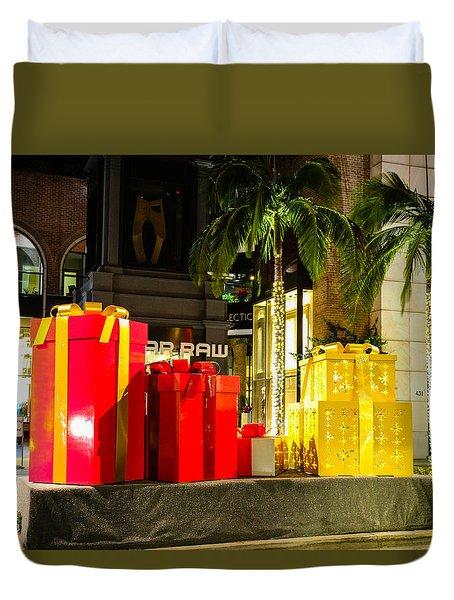 Christmas In Beverly Hills Duvet Cover by Robert Hebert