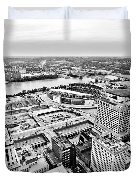 Cincinnati Skyline Aerial Duvet Cover by Paul Velgos