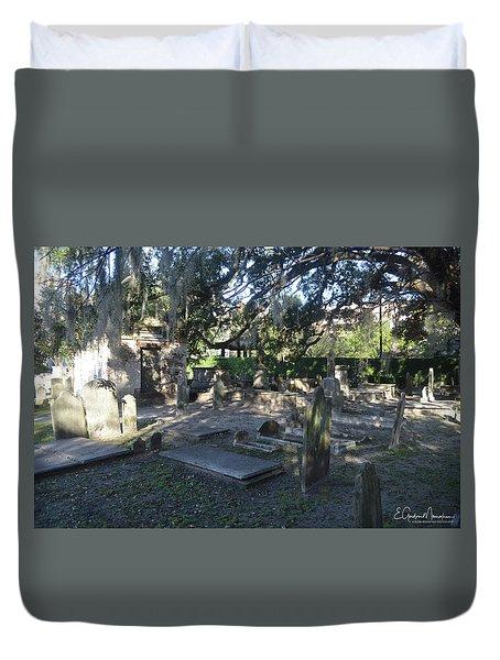 Circular Congregational Graveyard 1 Duvet Cover by Gordon Mooneyhan