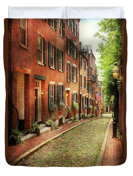 Duvet Cover featuring the photograph City - Boston Ma - Acorn Street by Mike Savad