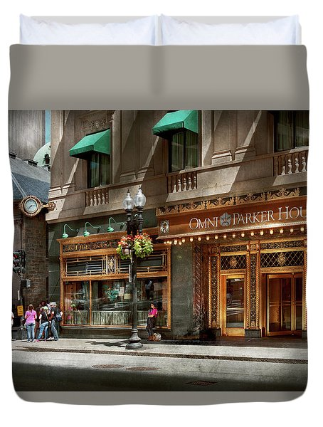 Duvet Cover featuring the photograph City - Ma Boston - Meet Me At The Omni Parker Clock by Mike Savad