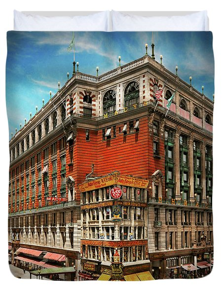 Duvet Cover featuring the photograph City - Ny New York - The Nation's Largest Dept Store 1908 by Mike Savad