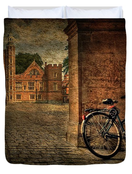 City Wheels Duvet Cover by Evelina Kremsdorf