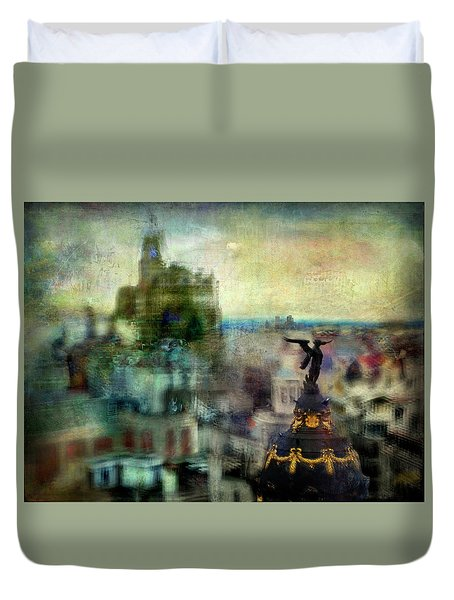 Duvet Cover featuring the photograph Cityscape 38 - Homeless Angels by Alfredo Gonzalez