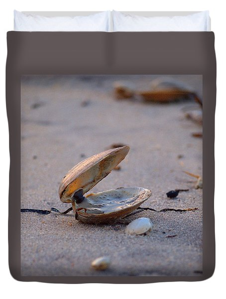Clam I Duvet Cover