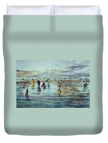 Clamdigging Family Duvet Cover