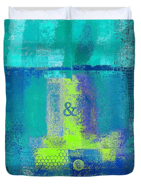 Duvet Cover featuring the digital art Classico - S03c26 by Variance Collections