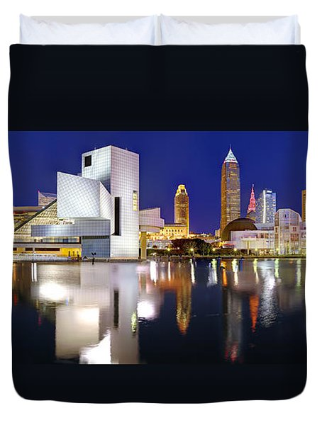 Cleveland Skyline At Dusk Duvet Cover