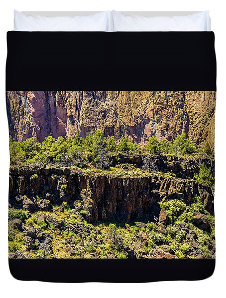 Duvet Cover featuring the photograph Cliff Edge by Jonny D