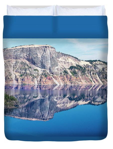 Duvet Cover featuring the photograph Cliff Rim Of Crater Lake by Frank Wilson