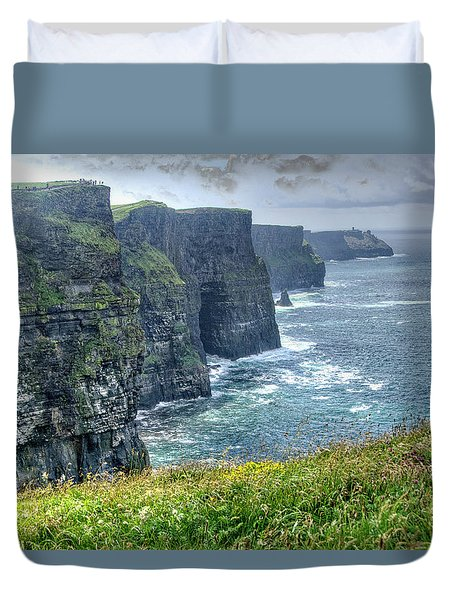 Duvet Cover featuring the photograph Cliffs Of Moher by Alan Toepfer