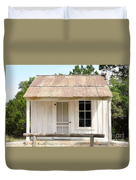Duvet Cover featuring the photograph Clint's Cabin - Texas - Close-up by Ray Shrewsberry