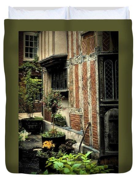 Cloister Garden - Cirencester, England Duvet Cover