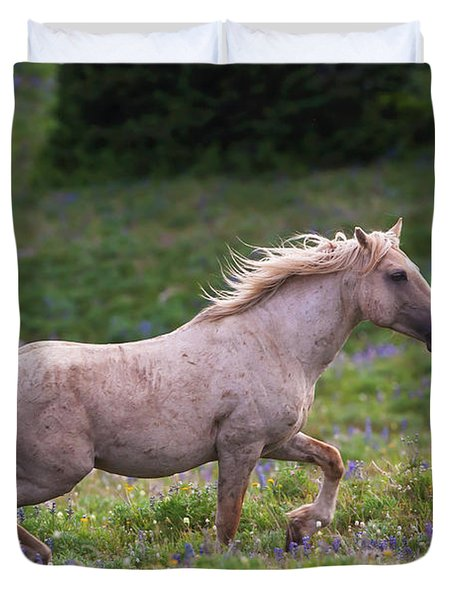Cloud- Wild Stallion Of The West Duvet Cover