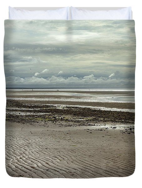 Clouds And Sun At Mayflower Beach Duvet Cover