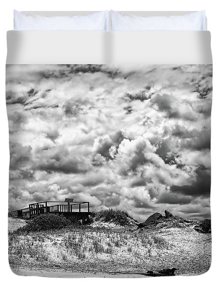 Duvet Cover featuring the photograph Cloudy Beach Black And White By Kaye Menner by Kaye Menner
