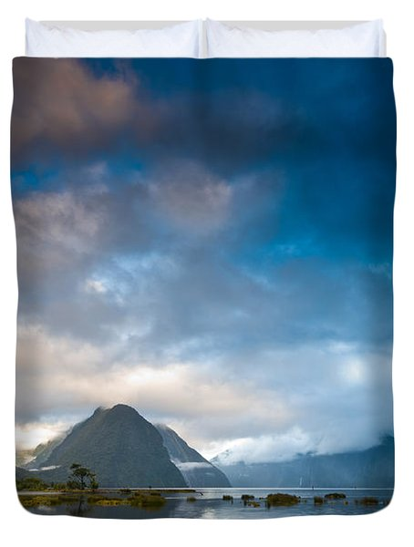 Cloudy Morning At Milford Sound At Sunrise Duvet Cover