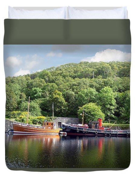 Clyde Puffer On The Crinan Canal Duvet Cover by Lynn Bolt