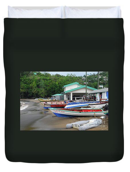 Duvet Cover featuring the photograph Coast Line by Gary Wonning