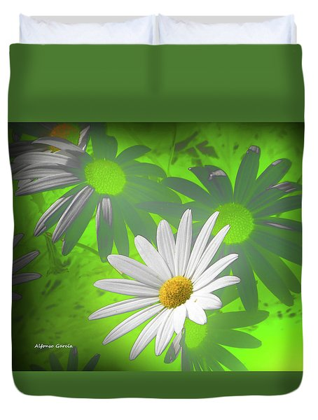 Duvet Cover featuring the photograph Cola Para El Sol by Alfonso Garcia