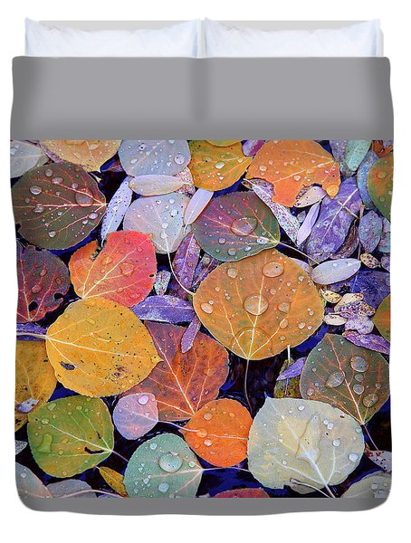 Collage Of Aspen Leaves At Mcgee Creek In The Eastern Sierras Duvet Cover