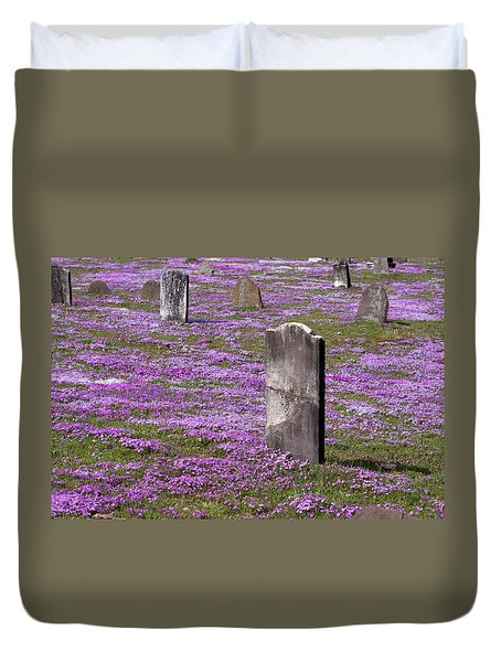 Colonial Tombstones Amidst Graveyard Phlox Duvet Cover by John Stephens