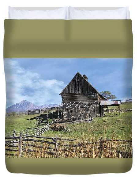 Colorado Rocky Mountain Vintage Barn   Duvet Cover