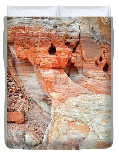Duvet Cover featuring the photograph Colorful Wall Of Sandstone In Valley Of Fire by Ray Mathis