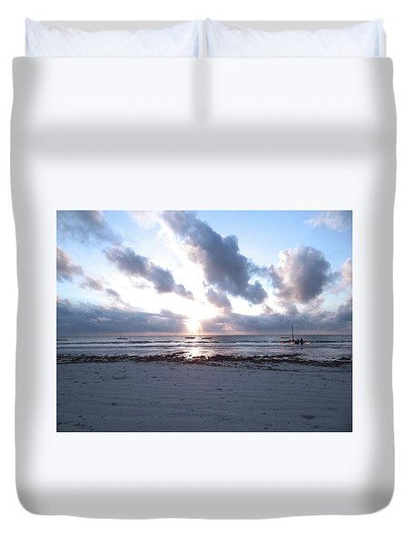 Coloured Sky - Sun Rays And Wooden Dhows Duvet Cover