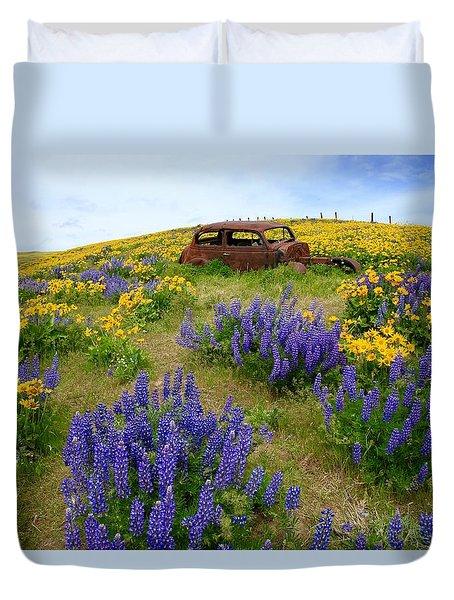 Columbia Hills Wildflowers Duvet Cover by Lynn Hopwood