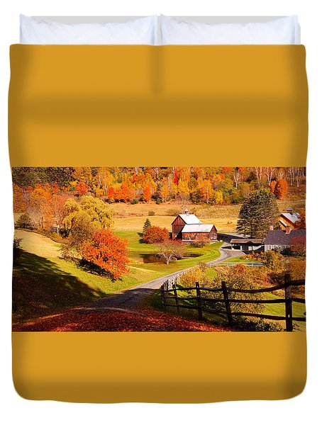 Coming Home In A Vermont Autumn Duvet Cover