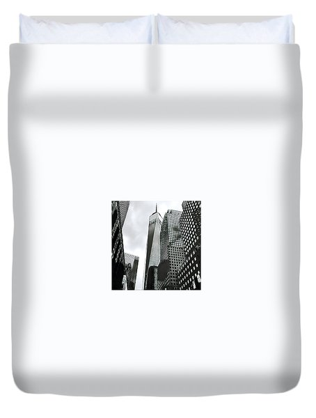 Commuters' View Of 1 World Trade Center Duvet Cover