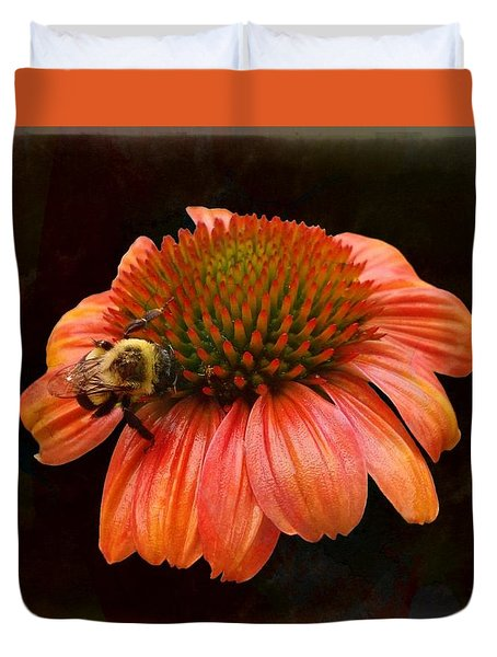 Coneflower And Bee Duvet Cover
