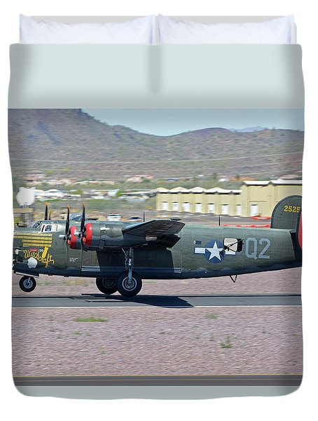 Consolidated B-24j Liberator N224j Witchcraft Deer Valley Arizona April 13 2016 Duvet Cover by Brian Lockett