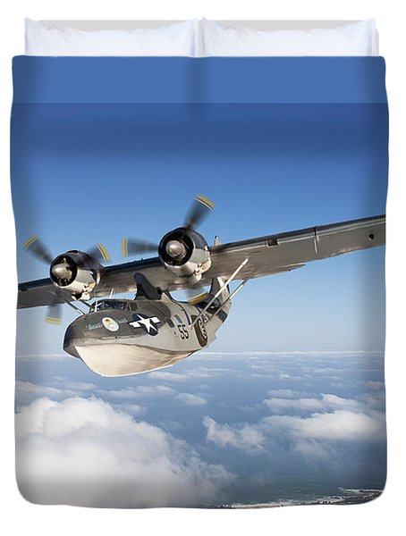 Consolidated Pby Catalina Duvet Cover by Larry McManus